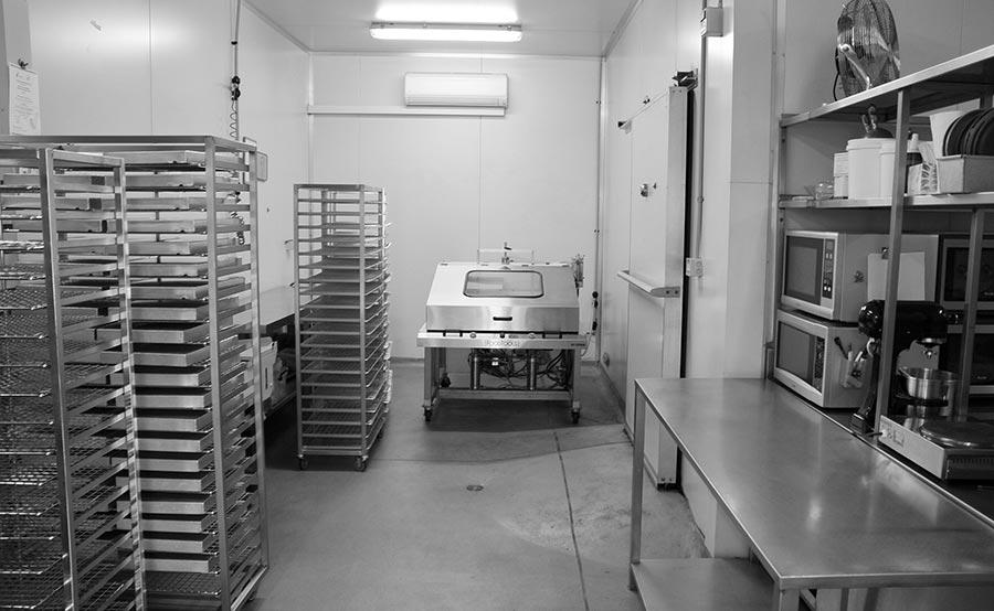 bb-bakery-interior-2-greyscale-